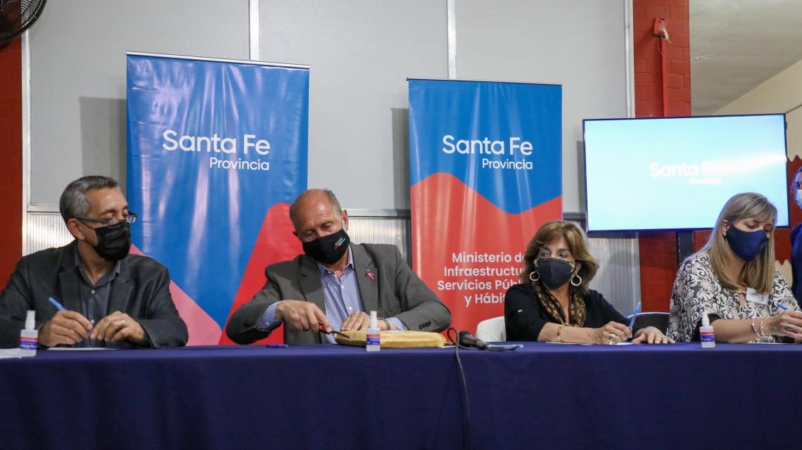 Perotti inauguró el area de mamografias y licitó la refuncionalización del área del internación del Hospital Sayago