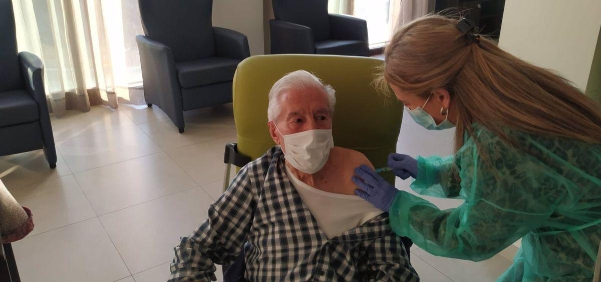 Este lunes comenzará en la provincia el operativo de vacunación para mayores de 90 años