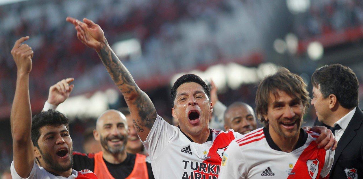 River, ante su gente y con una gran tarde de Álvarez, venció a Boca y es puntero