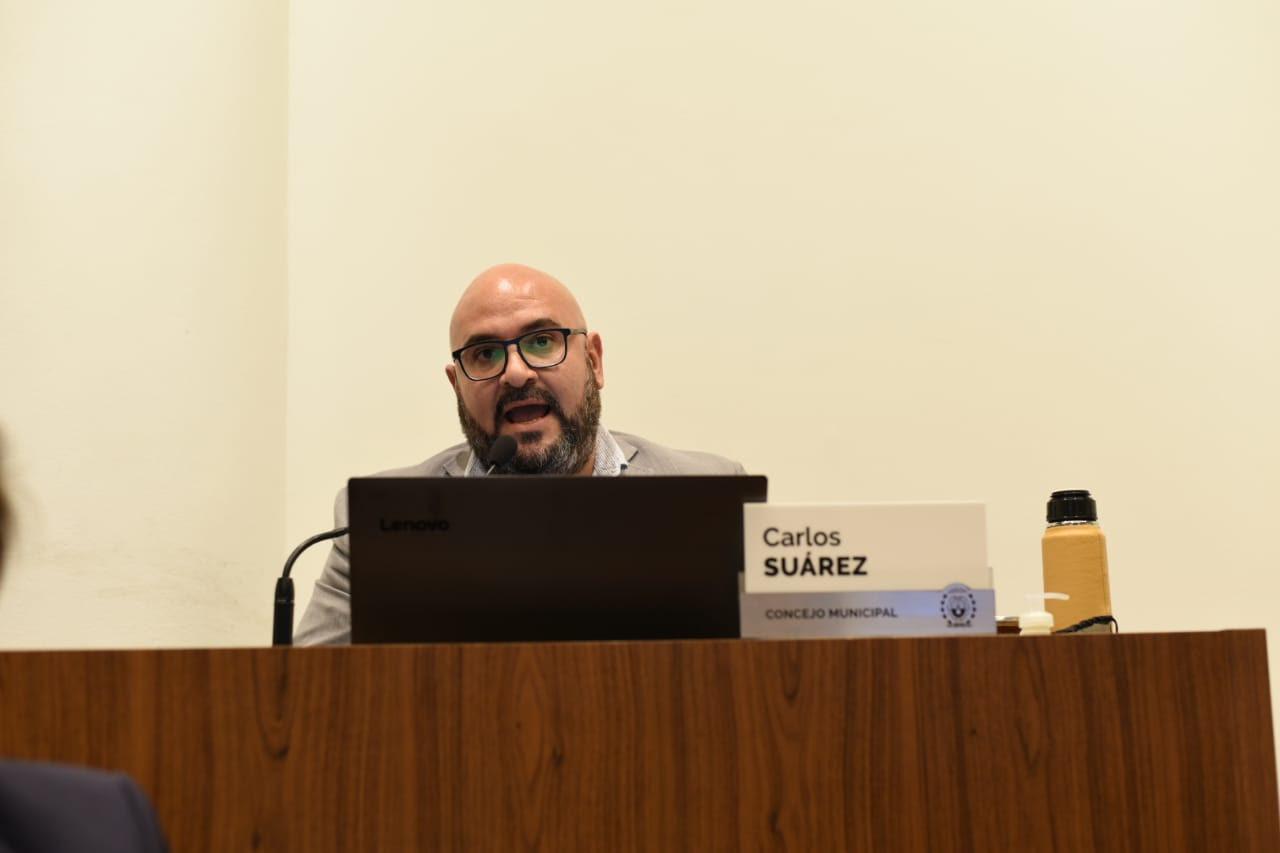 """""""El Municipio debe resolver el descontrol en la Costanera"""""""