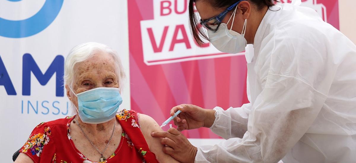 Este lunes arranca la vacunación en geriátricos de la ciudad